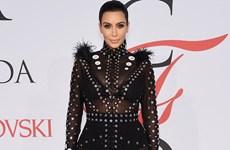 Kim Kardashian khoe bụng bầu trong bộ đồ khiêu khích tại CFDA