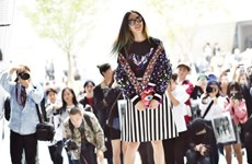 """Mặc """"chất lừ"""" như tín đồ thời trang Hàn Quốc Irene Kim"""
