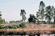 Báo động ô nhiễm trầm trọng nguồn nước sông tại Hà Nội