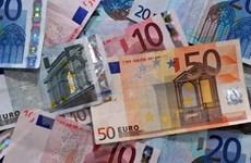 Đồng euro giảm xuống mức thấp nhất trong bảy tháng