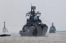 Tàu chiến Nga rầm rộ vượt Eo biển Malacca đi tập trận