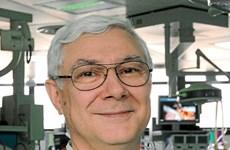 Bốn giáo sư hàng đầu thế giới phẫu thuật cho bệnh nhân Việt Nam