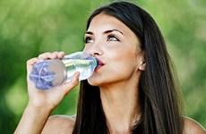 Chuyện gì sẽ xảy ra khi bạn uống nước đều đặn trong 30 ngày?