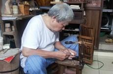 Người nghệ nhân khắc dấu giữa lòng phố cổ Hà Nội
