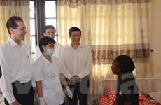 Bộ Y tế giám sát chặt sức khỏe 3 sinh viên đến từ vùng dịch Ebola