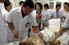 Chuyển về Hà Nội các bệnh nhân nặng trong vụ xe lao xuống vực