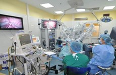 Việt Nam đã có kế hoạch tiến hành mổ nội soi robot cho người lớn