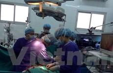 Chuyên gia hàng đầu châu Á trình diễn phương pháp mổ tim ít xâm lấn