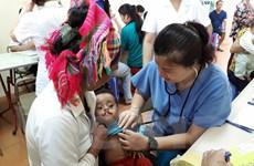 Tài trợ 80.000 USD chăm sóc sức khỏe nhi khoa tại Việt Nam