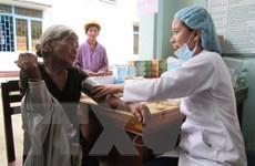 Khám bệnh, cấp phát thuốc miễn phí cho người dân ở Yên Bái