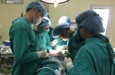 Phẫu thuật tái tạo toàn bộ mũi, má cho bệnh nhân ung thư da