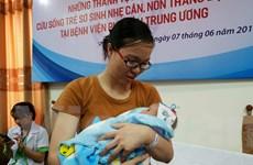 Cứu sống ngoạn mục một bé gái sinh non nặng 500 gram