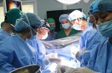 Ca phẫu thuật phổi đầu tiên sử dụng máy tim phổi nhân tạo