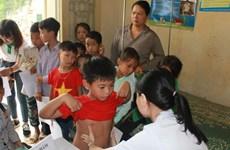 Khám và tư vấn dinh dưỡng cho hơn 500 trẻ vùng cao ở Tuyên Quang