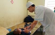 Y tế cơ sở: Ký xong quyết định, bác sỹ 'lặn tăm'