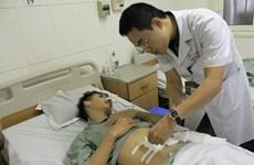 Nam thanh niên thủng ruột vì nuốt chiếc xương cá dài 4 cm