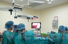 Phẫu thuật cho bệnh nhân bị ung thư hắc tố tại thực quản hiếm gặp
