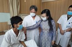 Bộ Y tế tặng bằng khen cho các đơn vị thực hiện 15 ca ghép tạng