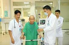 Phẫu thuật phổi thành công cho cụ ông 90 tuổi có nhiều bệnh phức tạp