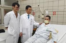 Thực hiện cắt thực quản tạo hình bằng dạ dày qua phẫu thuật nội soi