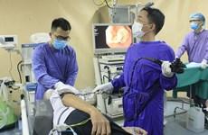 Một bệnh nhân được phát hiện ung thư thực quản khi bị hóc thịt ngan