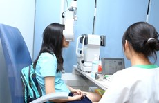Có tới 90% trẻ bị cận thị là do các thói quen chưa khoa học