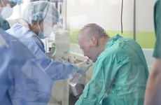 Không có ca mắc COVID-19 mới, bệnh nhân 91 đã tự ngồi dậy được
