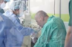 Bệnh nhân 91 phục hồi dần cơ chân, đã có thể tự ngồi dậy được