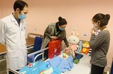 Hà Nội: Bé gái rơi từ tầng 12A chung cư đã ổn định và được ra viện