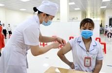 Chuyên gia hồi sức giải đáp những băn khoăn về tiêm vaccine COVID-19