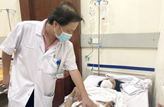Mổ cấp cứu cho 1 trường hợp bị chiếc tăm dài 6cm đâm thủng lòng ruột