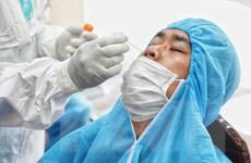 Găng tay khi lấy mẫu xét nghiệm COVID-19 cho người dân chỉ dùng 1 lần
