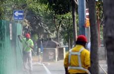 Singapore yêu cầu tăng lương cho công nhân vệ sinh và bảo vệ