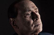 Đằng sau chiếc mặt nạ của ông Silvio Berlusconi