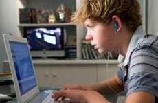 60% thiếu niên Italy thường trao đổi ảnh nóng trên mạng