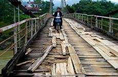 Cấm lưu thông qua 3 cầu treo xuống cấp ở Quảng Ngãi