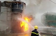 Cháy lớn tại nhà máy sản xuất gỗ MDF-VRG Quảng Trị