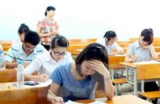 """""""Bay đến tương lai"""" hỗ trợ học sinh miền Trung dự thi đại học"""
