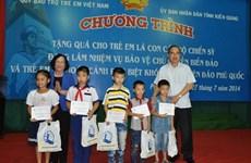 Tặng hơn 1,2 tỷ đồng cho trẻ có hoàn cảnh khó khăn tại Kiên Giang