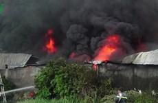 TP.HCM: Cháy lớn tại công ty sản xuất nguyên liệu làm giày dép