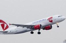 Czech Airlines giảm gần 1/3 nhân viên, phi công dọa đình công