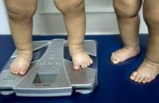 Trẻ dễ béo phì nếu sử dụng thuốc kháng sinh trước hai tuổi