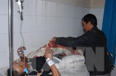 Lâm Đồng: Hỗ trợ người bị nạn trong vụ xe lao xuống vực