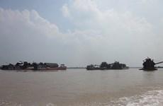 """Hà Nội: Chính quyền không """"bảo kê"""" khai thác cát trái phép"""
