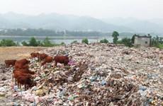 Hòa Bình: Đóng cửa bãi rác gây ô nhiễm nguồn nước sông Đà