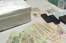 Hòa Bình: Bắt giữ hai đối tượng vận chuyển 45 bánh heroin