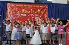 Cộng đồng người Việt khắp nơi tưng bừng đón Tết cổ truyền