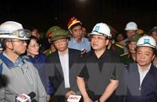 Phó Thủ tướng Hoàng Trung Hải kiểm tra việc cứu hộ tại Hà Tĩnh