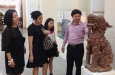 Triển lãm hình tượng sư tử trong điêu khắc cổ tại Đắk Lắk