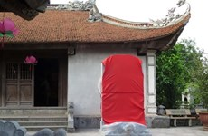 """""""Dựng chui"""" bia đá tại đền Trần Thái Bình: Vẫn đang chờ chỉ đạo"""